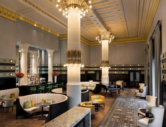 Bar Kolumnowy - wnętrze w stylu Art Nuveau.