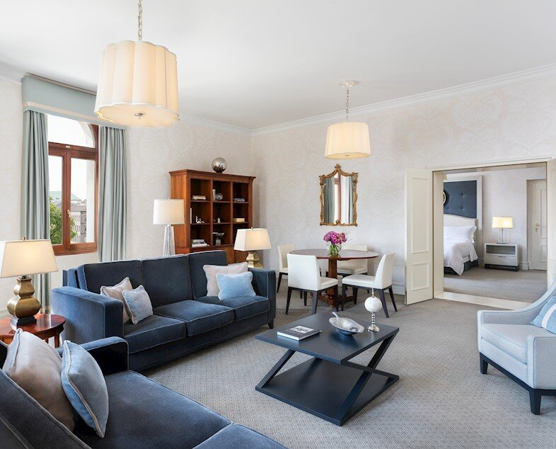 Salon apartamentu Deluxe Suite w Hotelu Bristol, Warsaw.